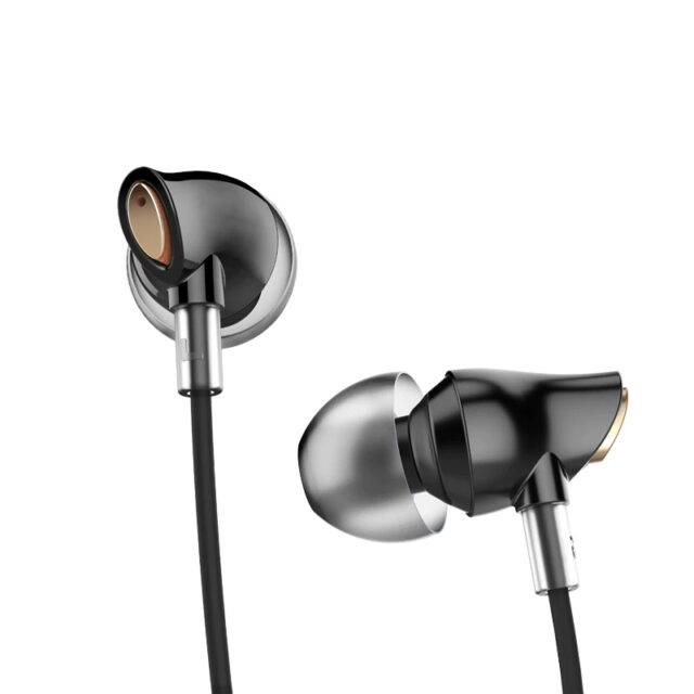 Stereo In-Ear Earphones with Enhanced Bass